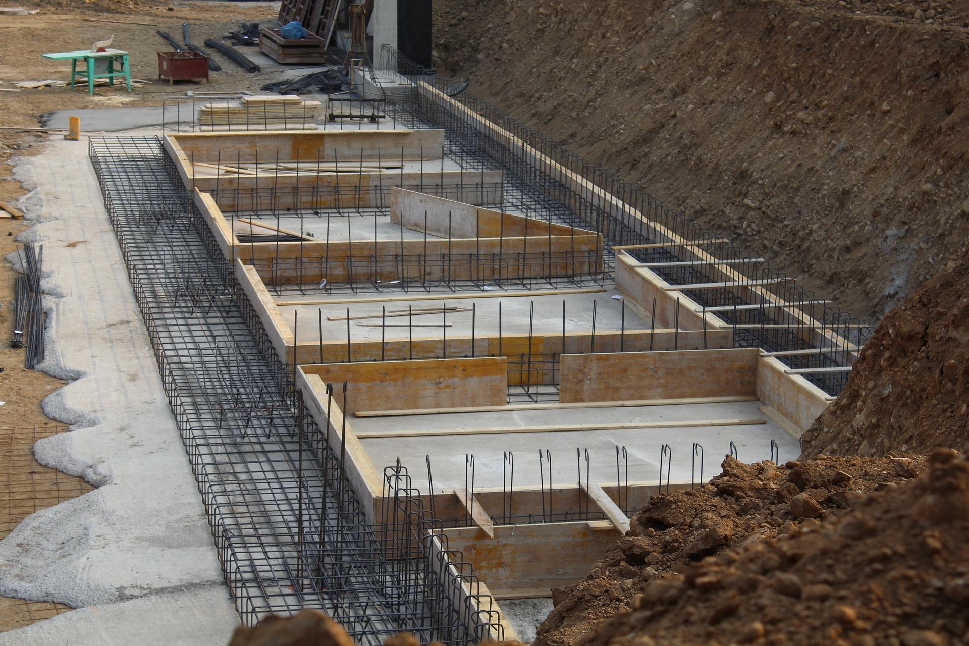 Wylewka fundamentów pod budowę domu
